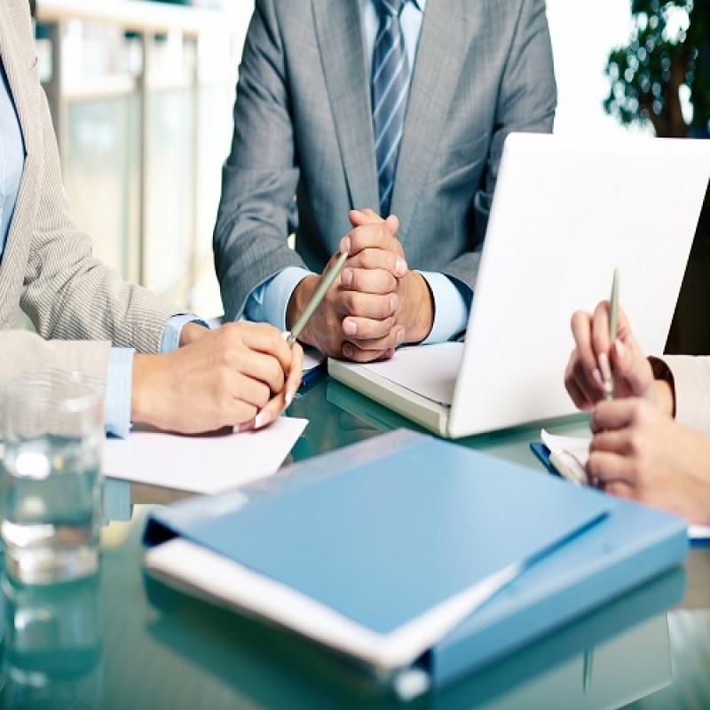 Правоотношение между дружество и съставител на финансовите отчети
