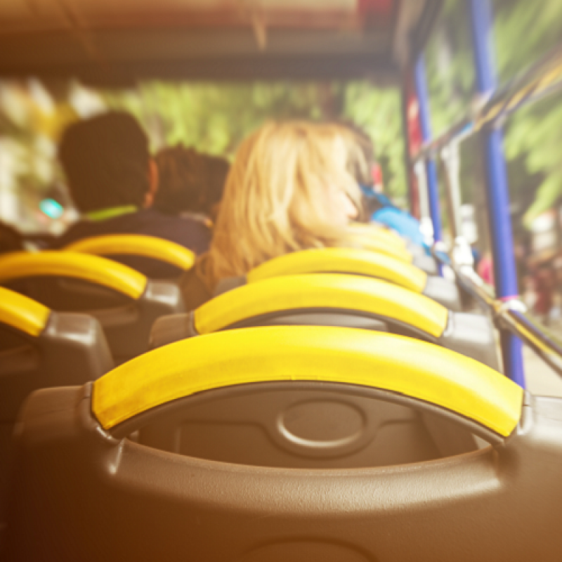 Данъчно третиране на транспорта на служителите от местоживеене до работното място и обратно