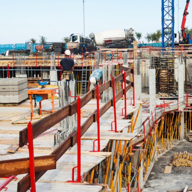 [Znamkak.com]Практически аспекти по приложението на СС-11 Договори за строителство
