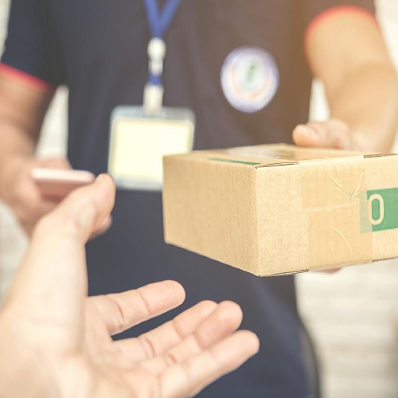 Трябва ли да се издава касова бележка при плащане с наложен платеж с пощенски паричен превод ?